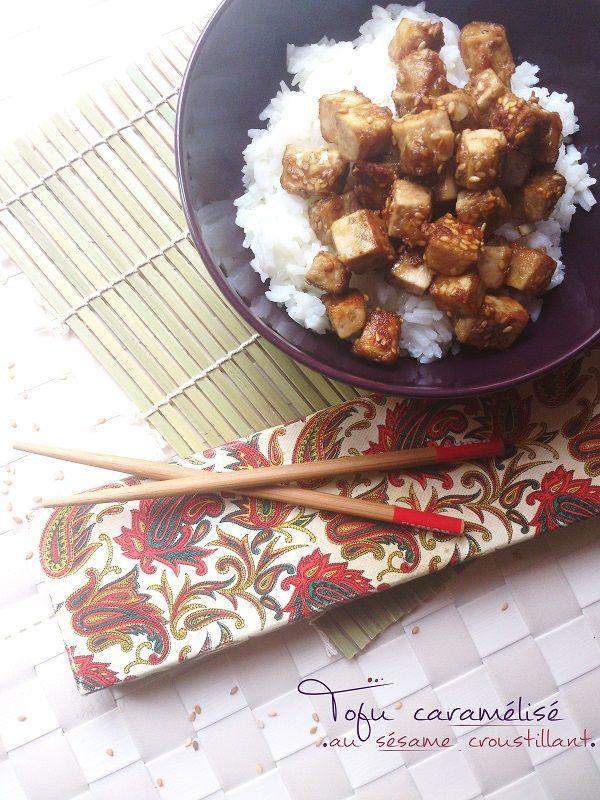 Tofu caramélisé au sésame croustillant