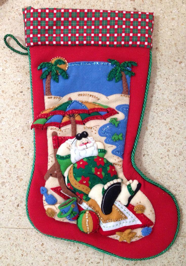 Bota Santa en la playa