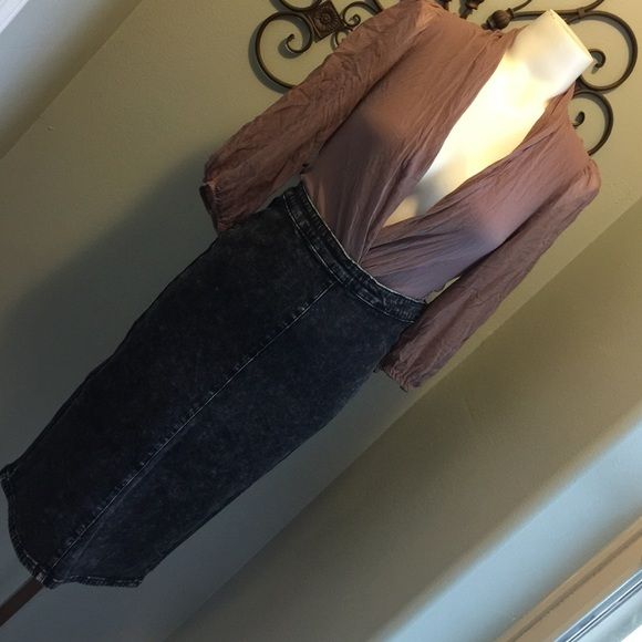 Acid wash black high waisted jean skirt This is an awesome piece for a night out. It's really tight and midi length. Awesome with crop tops!! Skirts Midi