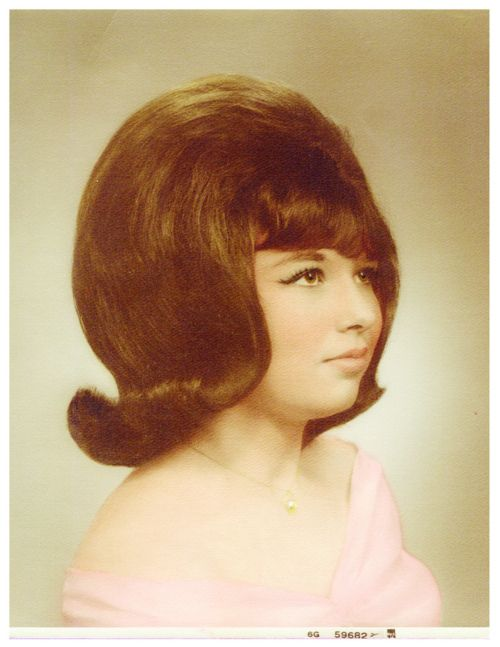 theswingingsixties:    Serious sixties hair.