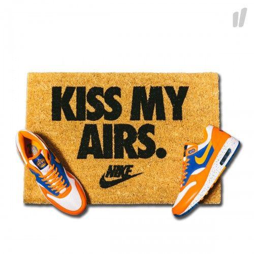 44f45e9e1 Need More Kiss My Airs Doormat ( brown / black ) - OVERKILL Berlin - Sneaker,  Wear & Graffiti | Accessories | Air jordans, Nike, Air max day