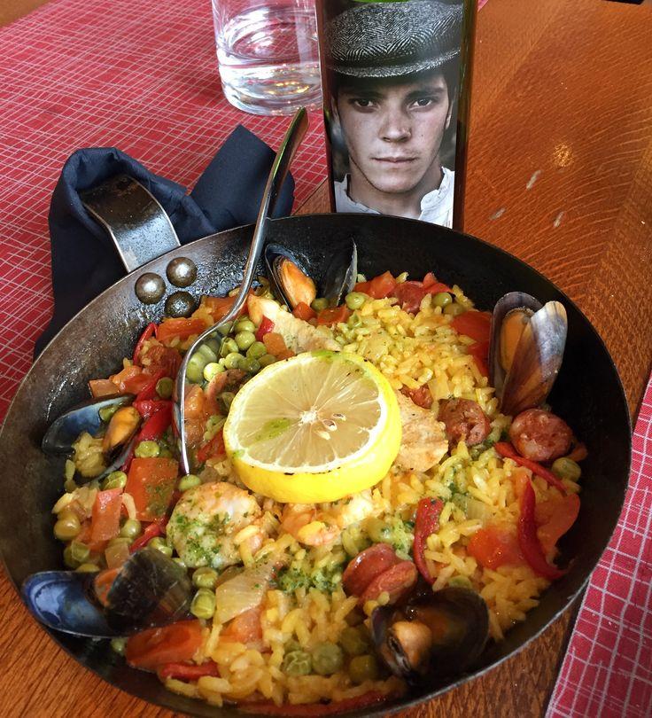 Restaurant Casa Largo Spanish cuisine Paella
