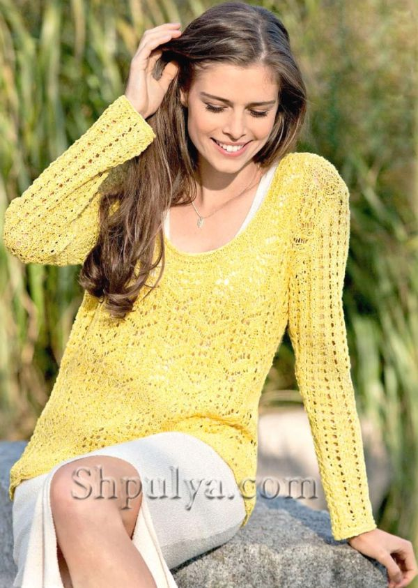 Желтый ажурный пуловер спицами
