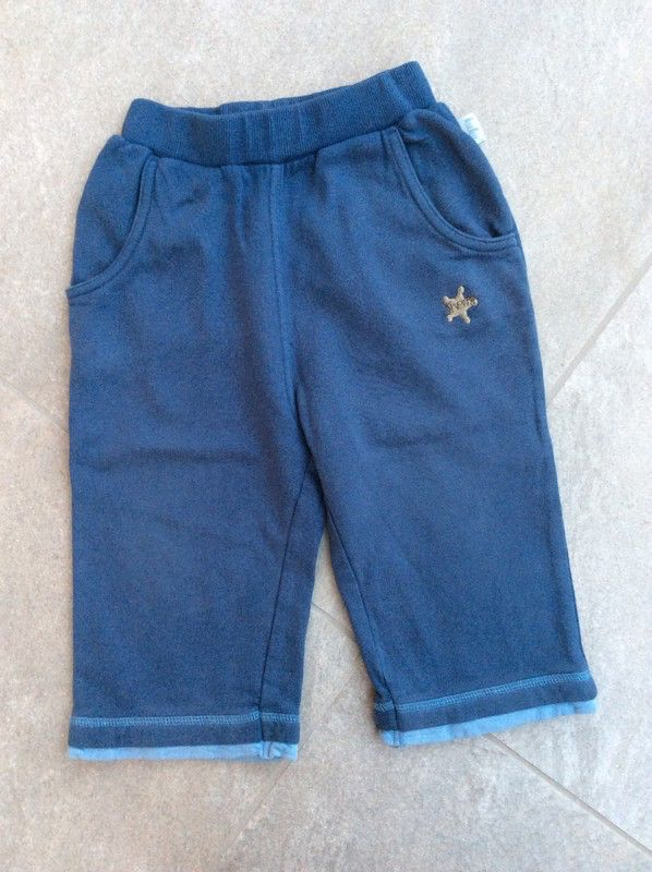Mein Tolle Jogginghose / Freizeithose / Stoffhose in blau / Gr. 80 / guter Zustand von KuKu! Größe 80 für 6,00 €. Schau´s dir an: http://www.mamikreisel.de/kleidung-fur-jungs/hosen-hosen/38544217-tolle-jogginghose-freizeithose-stoffhose-in-blau-gr-80-guter-zustand.