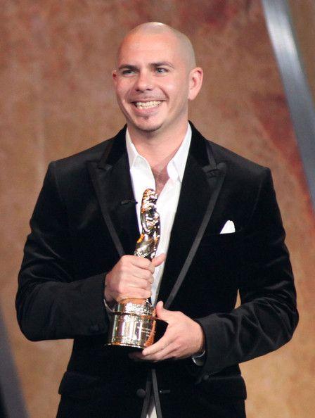 pitbull+rapper | Pitbull Rapper Pitbull accepts the award for Favorite Male Music ...