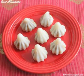 Hot pot cooking: Sweet kozhukattai | Modak (coconut filling)