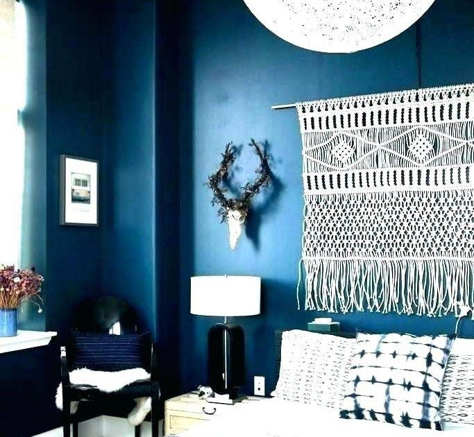 Navy Blue Bedroom Decorating Ideas And Green Wall Decor Room 20 Marvelous Navy Blue Bedroom Ideas In 2020 Blue Living Room Decor Blue Accent Walls Blue Bedroom Colors