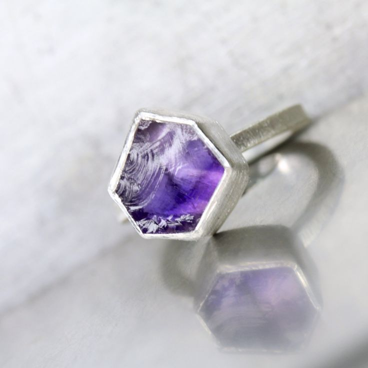 Rough Purple Irregular Hexagon Amethyst Ring Silver Geometric Raw Gemstone Pre-Faceted Band February Birthstone Modern Gift Idea - Purpureck by NangijalaJewelry on Etsy