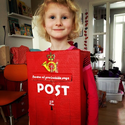 Fastelavn - Postkasse udklædning, #DIY dress up, Danish postbox