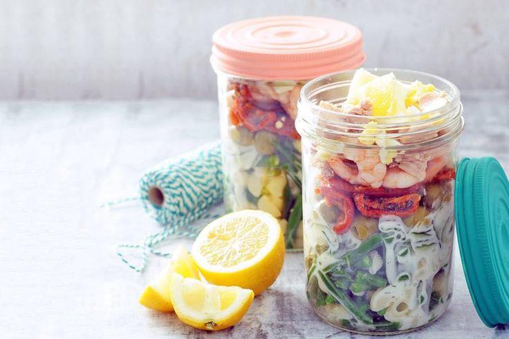 Et voilà: een salade in Franse stijl met wel drie soorten vis.- Recept - Allerhande