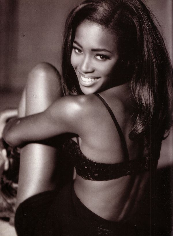 Naomi. Freedom. I LOVE HER SO MUCH!!! I didn't have any latina models to look up to but NAOMI WAS EVERYTHING TO A LIL BROWNIE LIKE ME <3 A