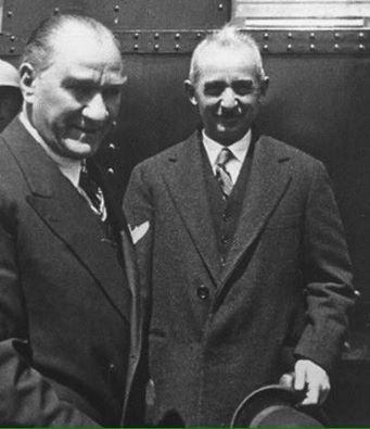Lozan barış anlaşmasının yıldönümünde, Atatürk'ü, İsmet İnönü'yü ve arkadaşlarını saygı,sevgi ve rahmetle anıyorum.