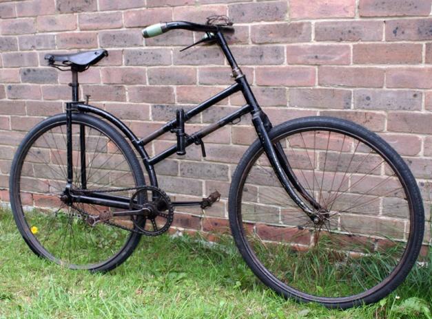 Un peu d'histoire avec la bicyclette pliante Capitaine Gérard
