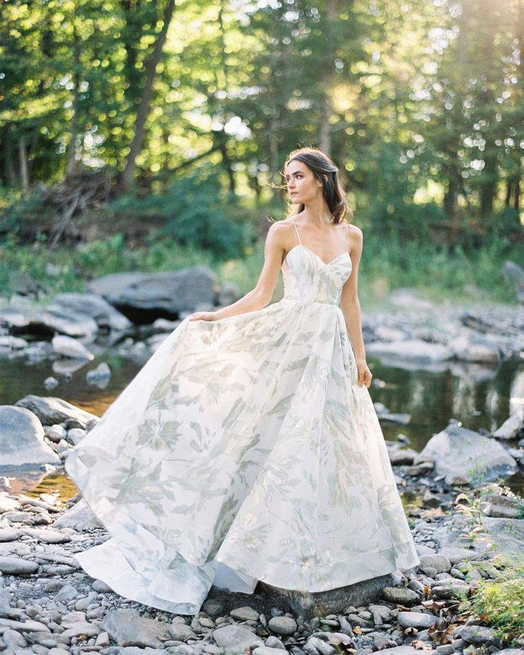 Rebecca Schonevelds #spring 2017 #wedding #dress #collection #bridemagru #невеста #мода #стиль #модель #платье #свадьба #скоросвадьба #свадебноеплатье #wedding #bride #dress #weddingdress #weddinggown #style #look #luxury #weddingfashion #weddingtrends #wedding #trends #trendssetter