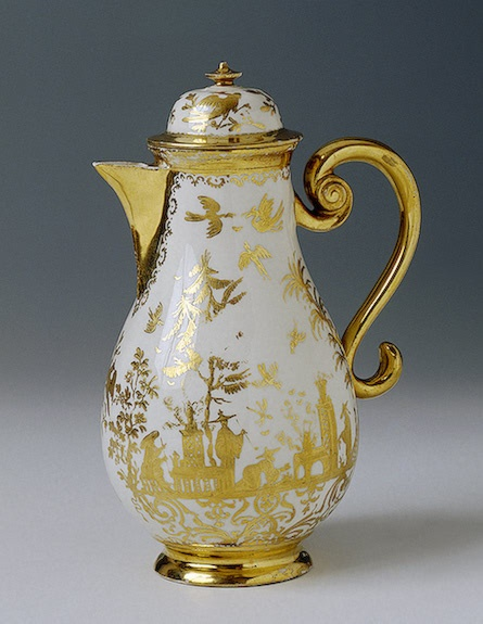 Coffee-Pot with Lid  Irminger, J.J. (model); Seuter, Abraham (painting).  Germany, Meissen. Circa 1715-1730 Porcelain; painted in gold. H. with Lid 22.1 cm, diam. 11.4 cm  The State Hermitage Museum