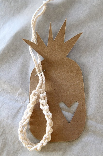 cute pineapple cut out! great for gift tags, but so many other uses!