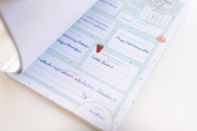 Abschiedsgeschenk Fur Lehrer Freundebuch Mit Download Vorlage Fraulein K Sagt Ja Geschenke Zum Abschied Abschiedsgeschenk Lehrer Freunde Buch