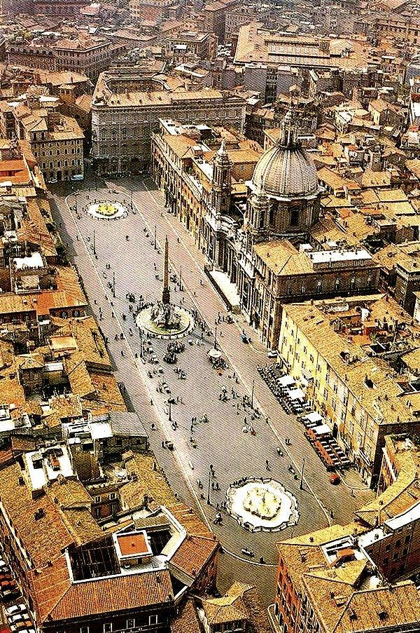 Vistas aéreas de la Plaza de Nabona.Roma Italia