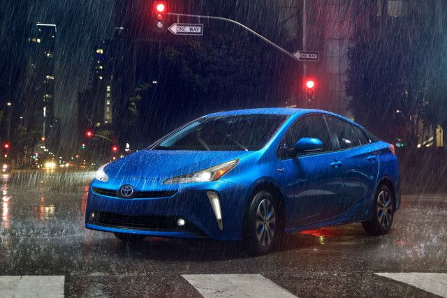 All Wheel Drive 2019 Toyota Prius To Cost 1 400 More Than Front