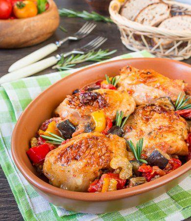 Курица, запеченная в перечно-баклажанном соусе