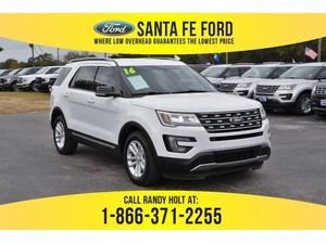 2016 White Ford Explorer XLT 37835P