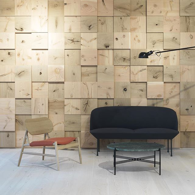 In our showroom in Copenhagen we celebrate the diverse expressions of knots. The wall is made of both Douglas and Oak and the flooring is Dinesen Pine #dinesen #dinesencph #dinesendouglas #dinesenoak #wall #cladding #flooring #interior #design #designedbyoeo