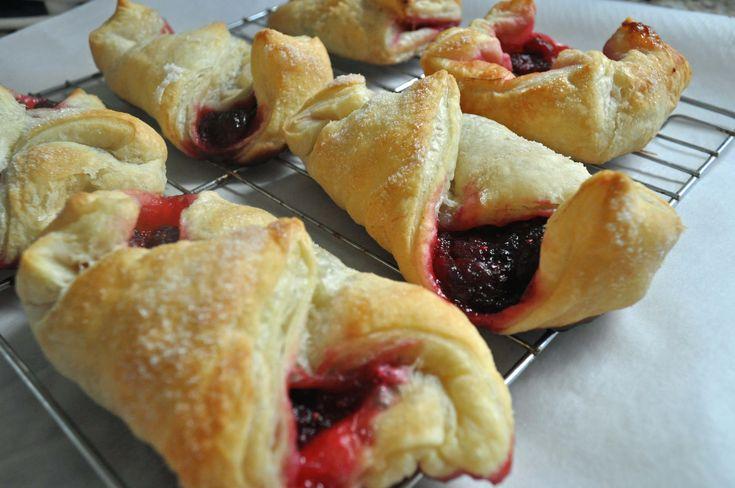 Thanksgiving Leftovers Recipe: Cranberry Pastries:www.laurabraydesigns.com