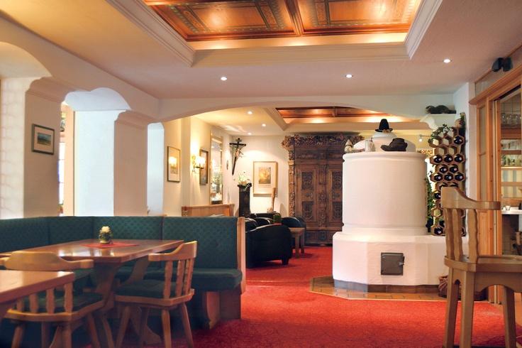 Wasserhotel Völserhof in Bad Hofgastein  Hier verkörpert die Gastgeberin das Wort Bibliophilie und versprüht diese im ganzen Haus!