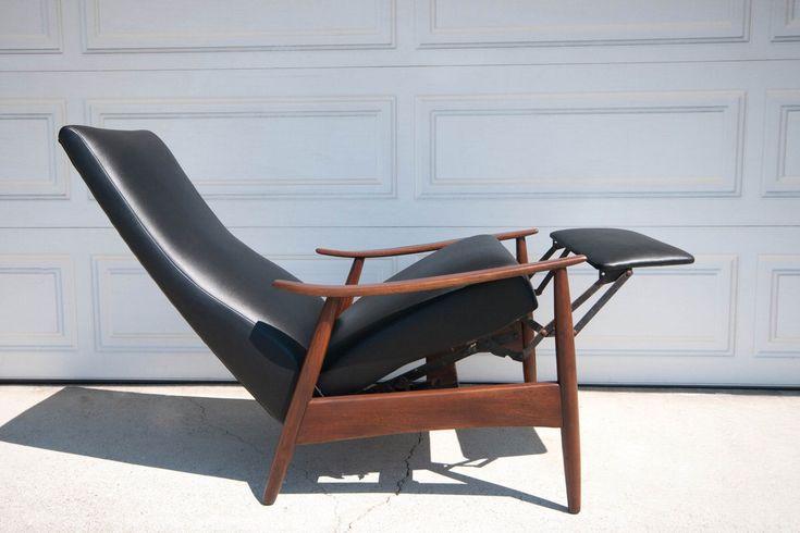 Mid Century Modern Milo Baughman Recliner by MidcenturyMaddist on Etsy Oh my goodness,my moms recliner!!