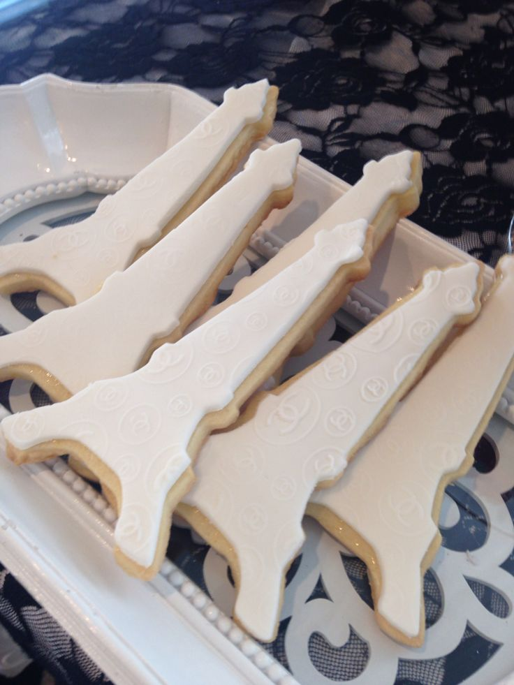 Eiffel Tower inspired butter cookies! Paris and Chanel theme
