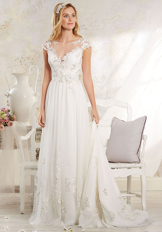 Romantic and lovely, this modern vintage wedding dress features an illusion yoke | Alfred Angelo Modern Vintage Bridal Collection 8545 | http://trib.al/l0E0yA0