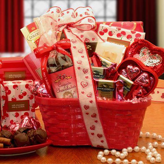 Valentine's Day Homemade Gift Baskets | Valentine's Day Gift Baskets, Valentines Day Chocolate, Valentine