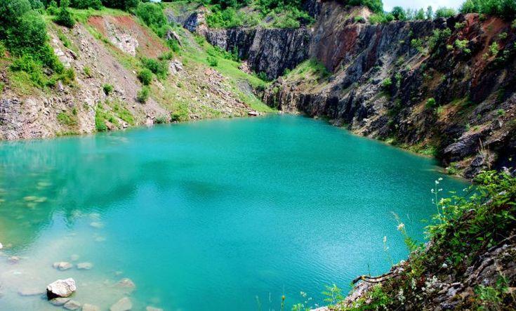 Zabudnite na Plitvické jazerá. Beňatinské jazero je taktiež celé tyrkysové a ešte sa v ňom aj okúpete zadarmo   interez.sk