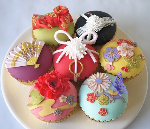 Japanese theme cupcakes by Akina Matsuhira, Sugar Collection<3