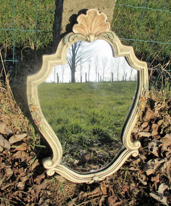White Crackled Crackelé Mirror Resin Frame Flowers by Tweedeleven