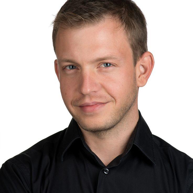 Dan Tătaru - Medic - headshot, business portrait