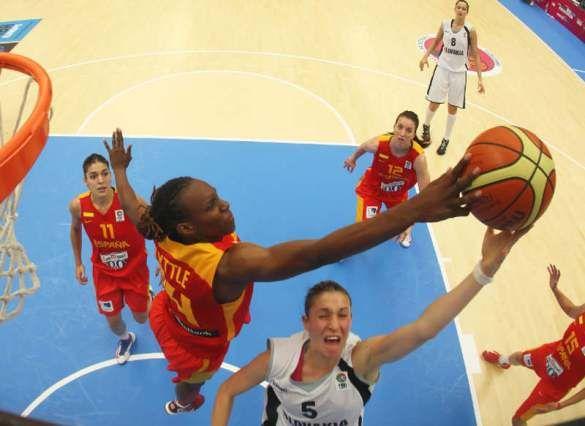 Sancho Lyttle http://basketfem.wordpress.com/2014/08/31/conoce-a-las-17-jugadoras-que-preparan-el-mundial-de-turquia-las-interiores/