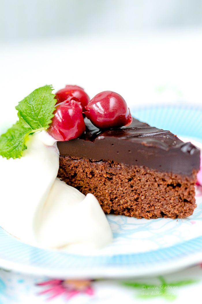 Mjuk Chokladkaka med glasyr LCHF, Glutenfri