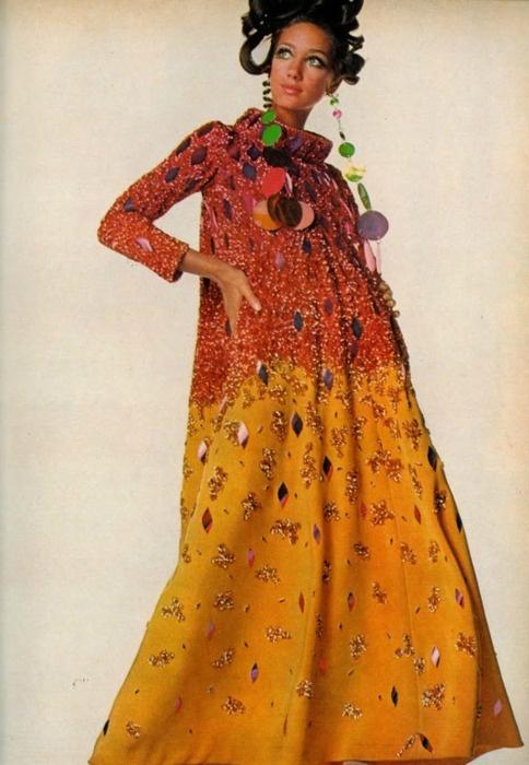Marisa Berenson in Cardin, Vogue 1967.