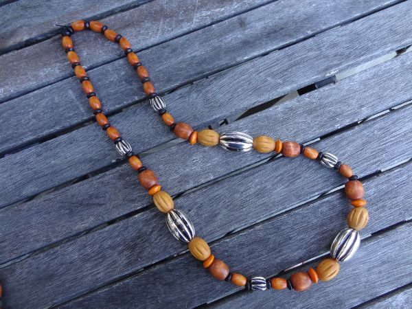 Wood bead necklace 2