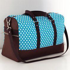 Patron sac Boston, un patron sac weekend avec une silhouette mixte. Unisexe, girly ou mâle : le style de votre sac Boston dépendra de vos choix de tissus !
