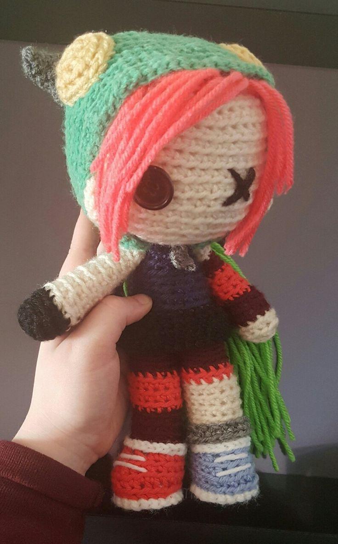 Q fofo!! Uma bonequinha de crochê da demência q cuteeee