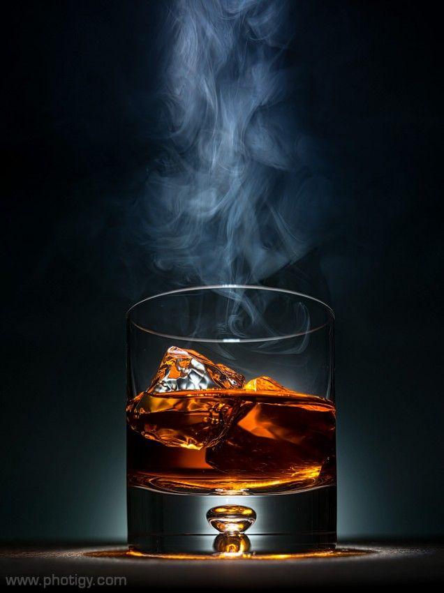 красивые картинки виски со льдом пестрят словами