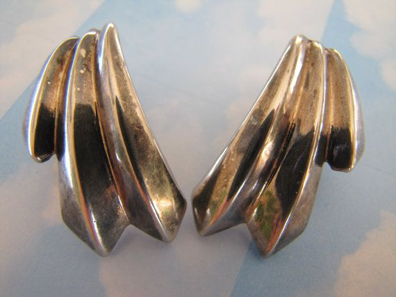 Vintage 1980's Large big wing Silver Earrings by themagickcat