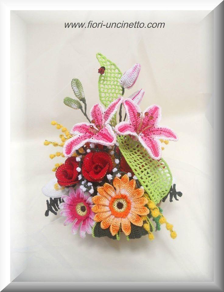 Crochet Flowers Tutorial By Carmen Heffernan : 17 Best images about Fiori-uncinetto di Claudia Giardina ...
