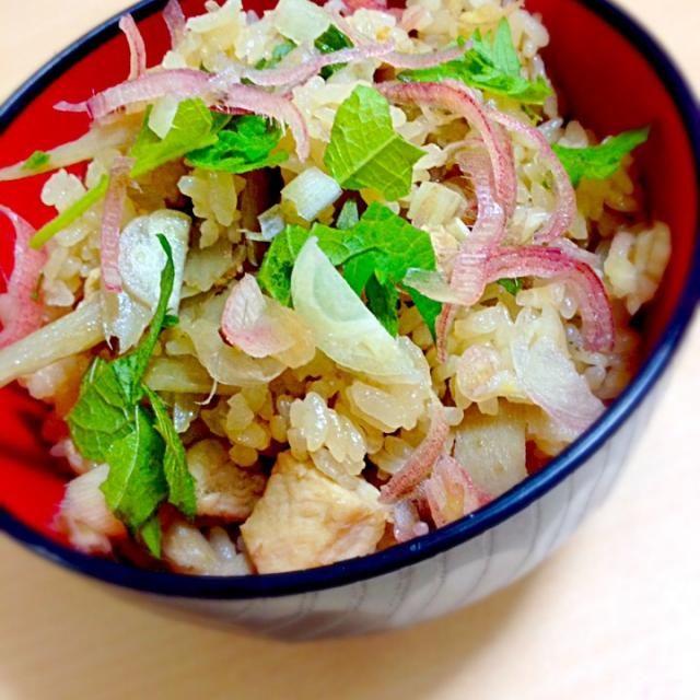大葉とミョウガをかけて^_^ - 53件のもぐもぐ - 鶏ごぼうの炊き込みご飯 by yuavy