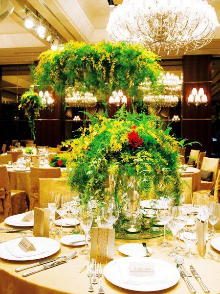シャングリ・ラ ホテル 東京(Shangri-La Hotel, Tokyo) 披露宴を盛り上げるアーティスティックな花あしらい