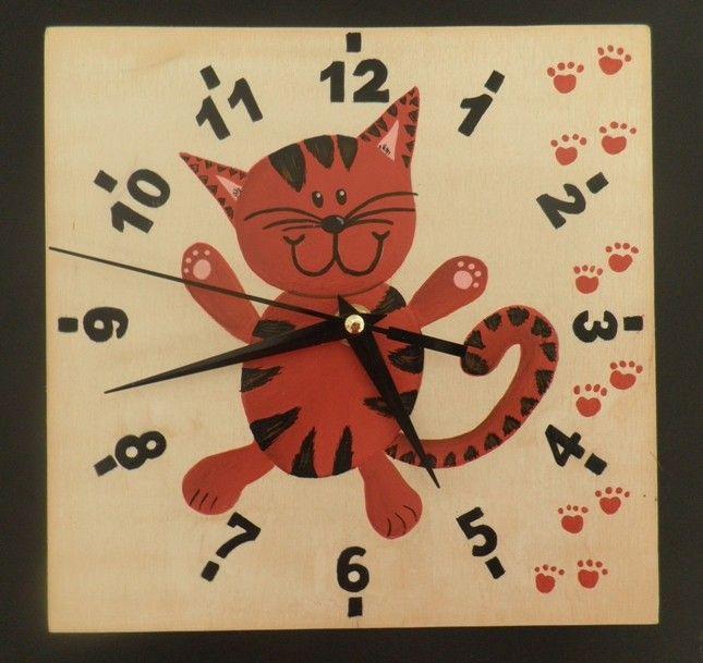 Macskás falióra. csendes óraszerkezettel felszerelve. Hand painted wall clock with silent clockwork.