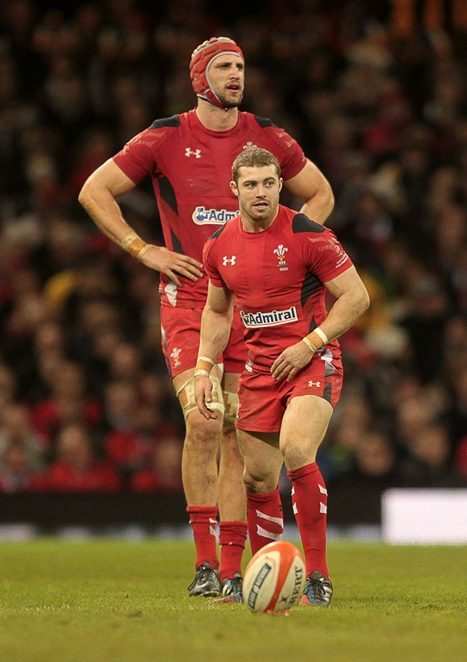 Six Nations. Wal 27 v 6 Fra. Luke Charteris & Leigh Halfpenny. Bless their height difference