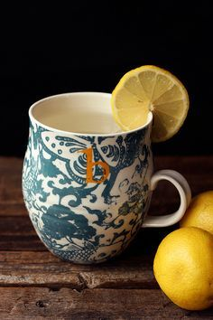 10 Benefits to Drinking Warm Lemon Water Every Morning // www.tasty-yummies.com